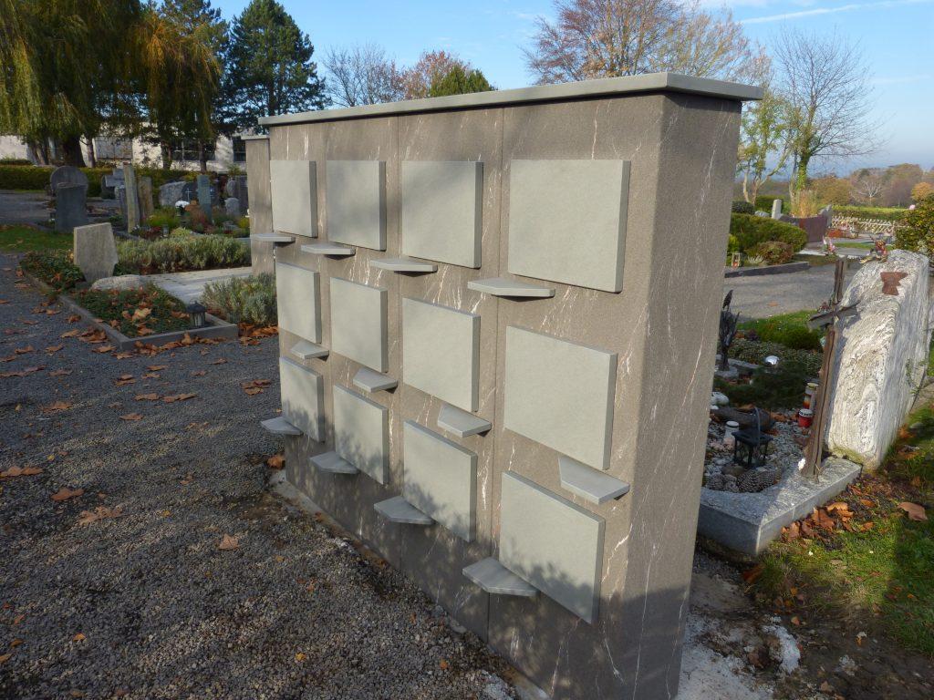 Urnenwand Friedhof Wachtberg